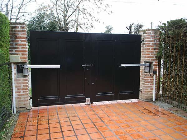 Precios puertas de garaje baratas quito altamax for Precio de puertas enrollables